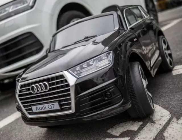 Продам Детский электромобиль Audi Q7 высокая дв