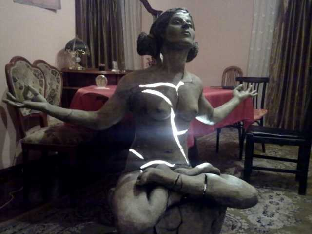 Продам статуя скульптура цветная