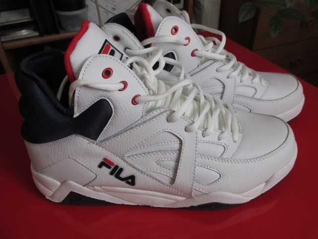 Продам кроссовки FILA