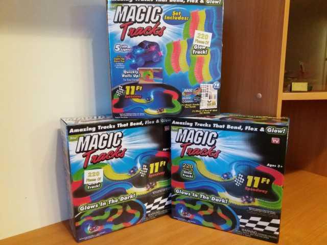 Продам Magic Tracks 220 с двумя машинками