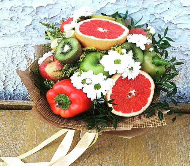Необычные букеты из конфет и фруктов, купить цветы в котласе