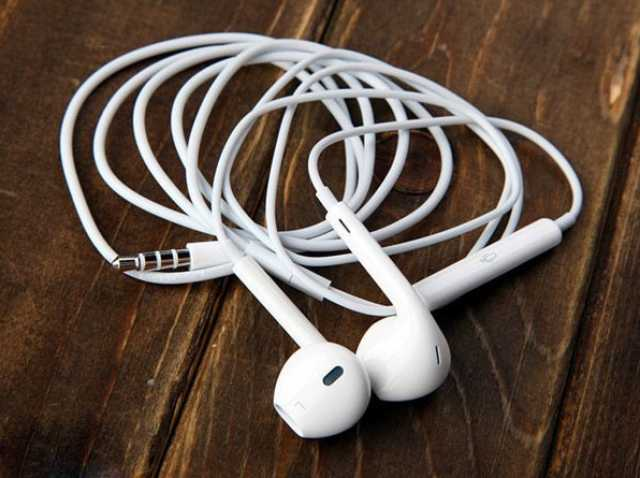 Продам Наушники EarPods
