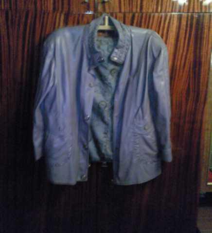 Продам Женская кожанная куртка