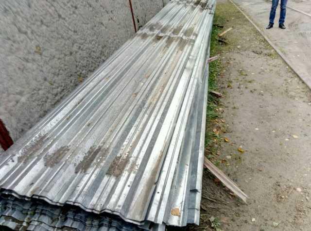 Продам Профлист оцинкованный б/у 9 метров(дли)