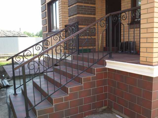 Продам: Кованые перила для лестниц