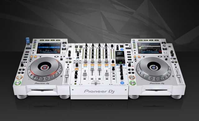 Продам Pioneer DJ DJM-900NXS2 Pro-DJ Mixer