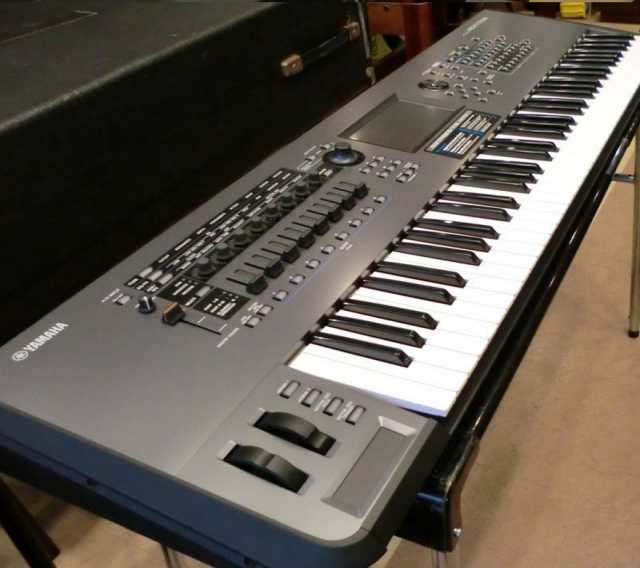 Продам Yamaha Montage 7 - 76-Key Workstation