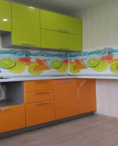 Продам Кухня новая  для помещения 6 м2