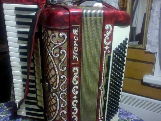 Продам аккордеон концертный Horch