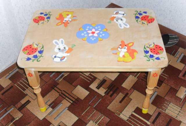 Продам детский столик и стулья