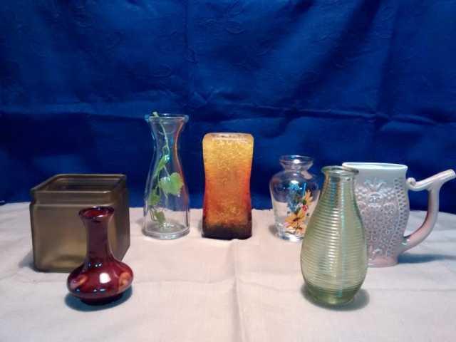Продам Вазы стеклянные и керамические