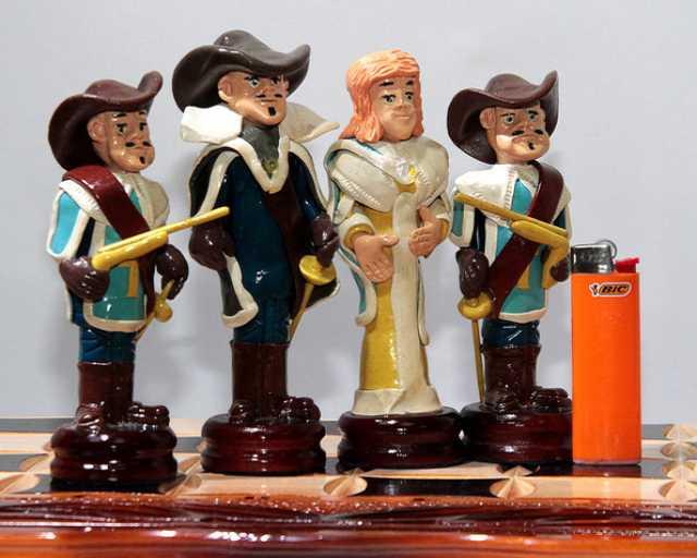 Продам Купить шахматный комплект «Один за всех»