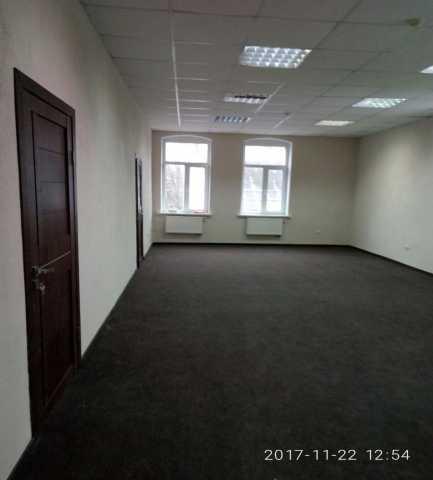 Сдам: Офис 76 кв.м. Московский пр-т