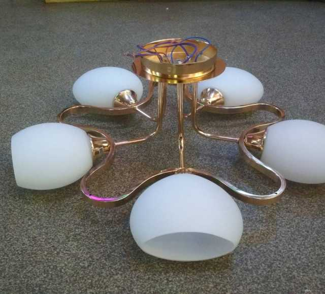 Продам Люстра Евро-стиль новая на 5 ламп