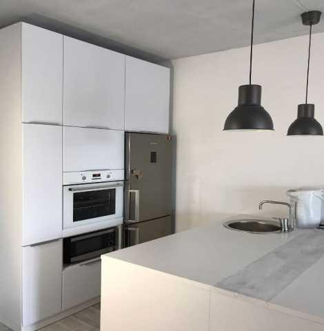 Предложение: Белый кухонный гарнитур на заказ