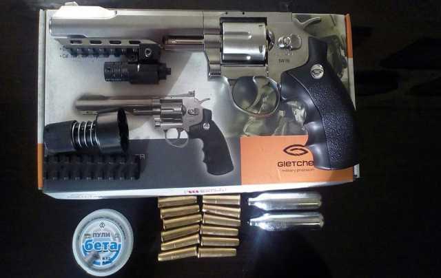 Продам Smith&Wesson  SW R6 Silver
