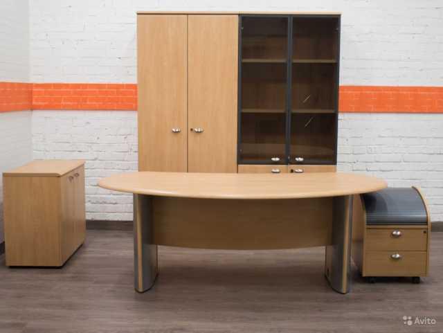 Куплю: Покупаем офисную мебель, оргтехнику