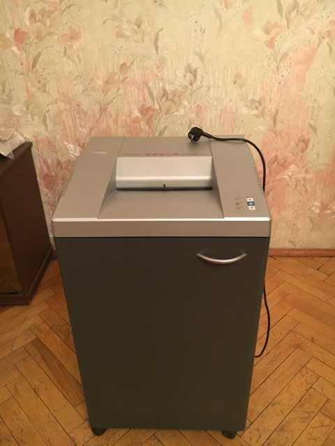 Продам Уничтожитель бумаги-шредер Ева 2126С
