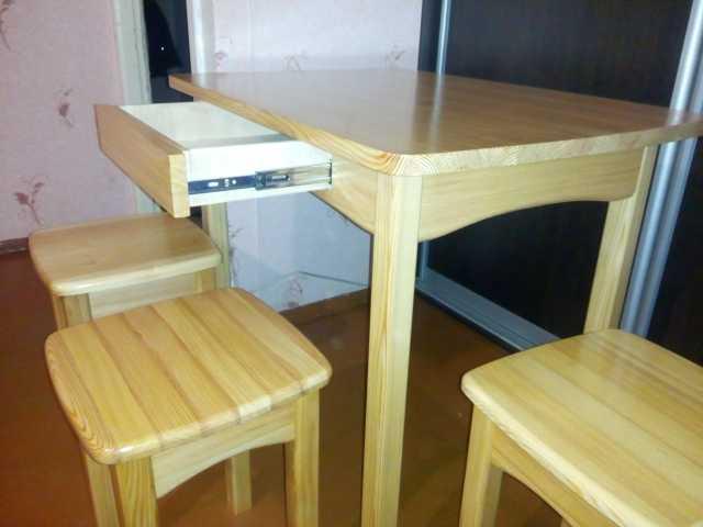 Продам Кухонная мебель из массива.