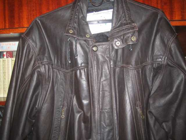 Продам кожаную куртку демисезонную