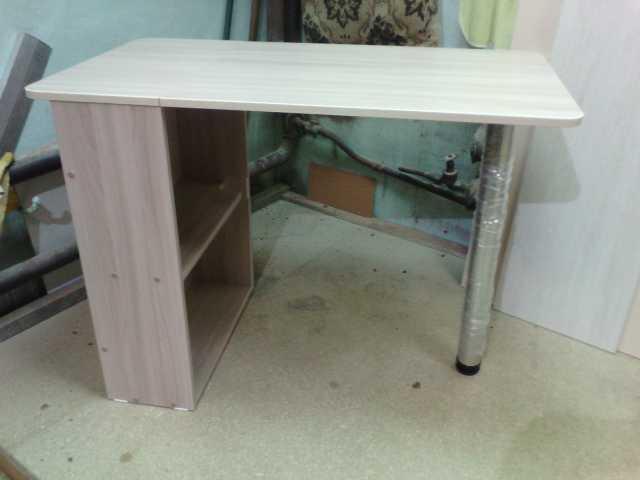 Продам: Маникюрный стол складной