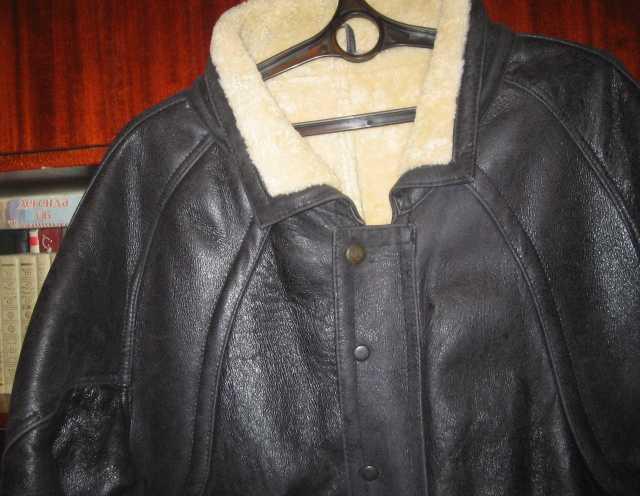 Продам Б. у. кожаную куртку утеплённую 60 р-р