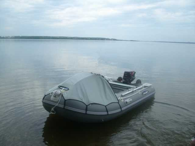Продам лодку Гладиатор 330AL с мотором Tohatsu