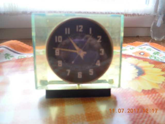 Продам часы винтажные механические