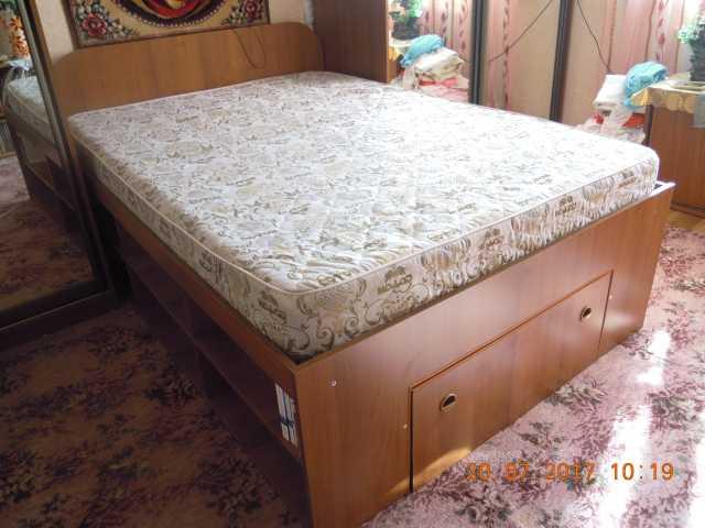 Продам кровать-библиотека
