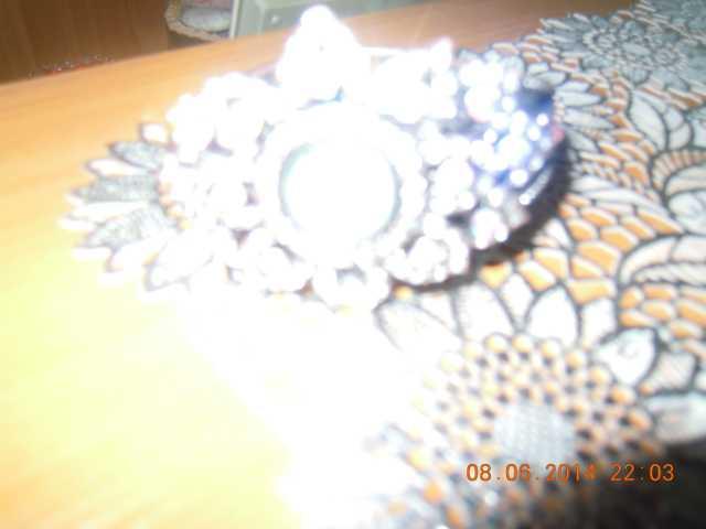 Продам красивые наручные женские часы