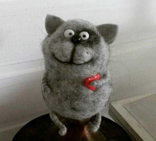 Продам: Игрушки из шерсти Серенький котик!!))