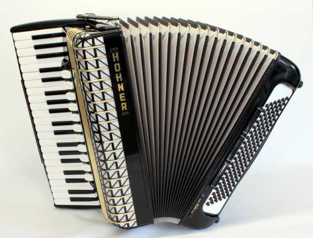 Продам: Немецкий аккордеон Люкс HOHNER Lux 4