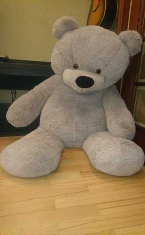 Продам Огромный медведь