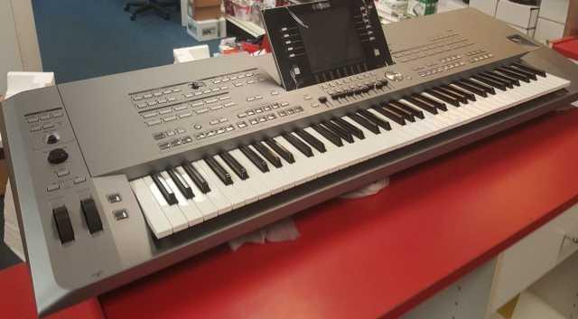 Продам Yamaha Tyros5 76-Ключ Аранжировщик Рабоч