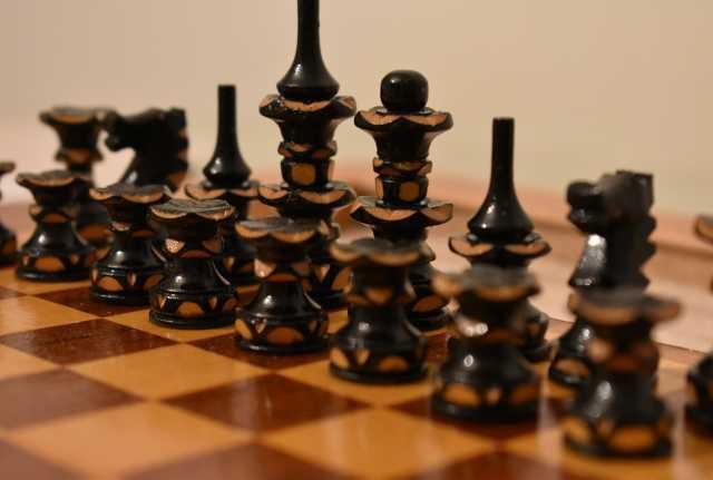 """Продам Набор шахмат """"Розы"""""""