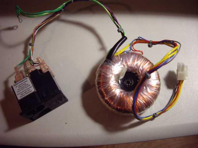 Продам: Тороидальный трансформатор с фильтром пи
