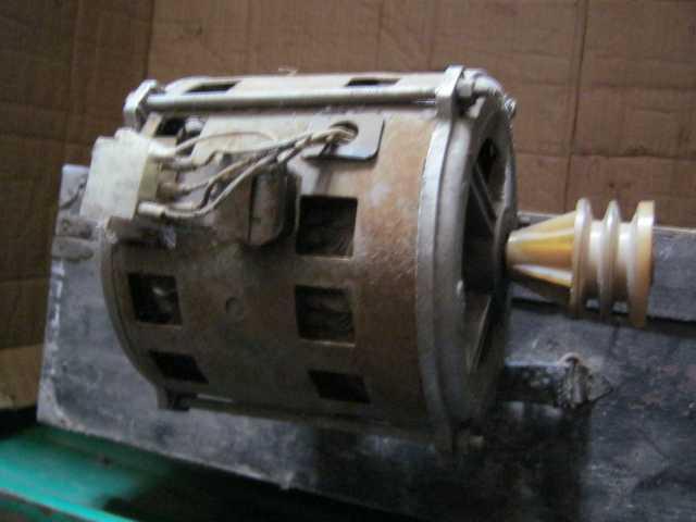 Продам электродвигатель с конденсаторами