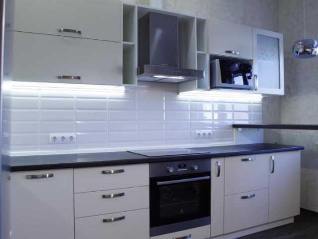 Продам: Кухонный гарнитур 2м85см+барная стойка