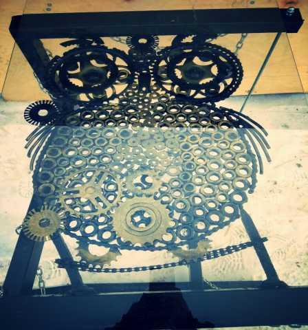 Продам Дизайнерский стол из металла