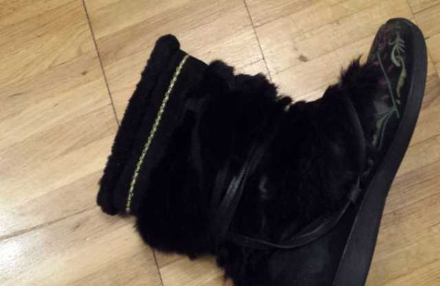 Продам: зимние сапожки на меху для девочки