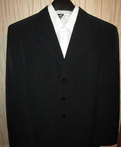 Продам Солидный костюм на мальчика