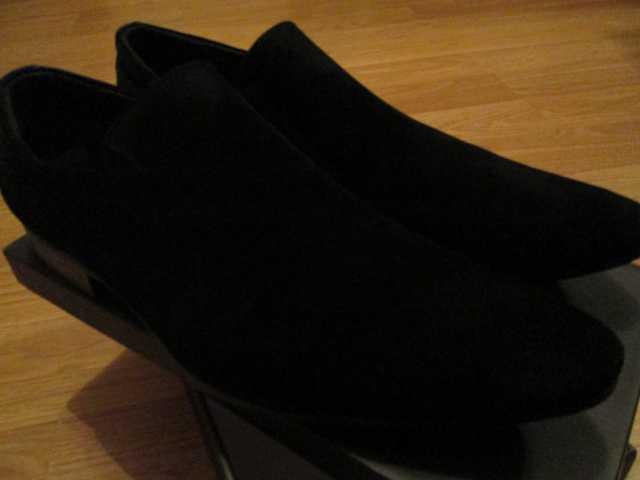 Продам Новые замшевые туфли