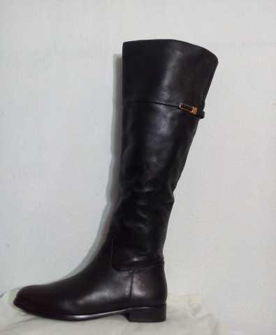 Продам новые кожаные сапоги 38размер