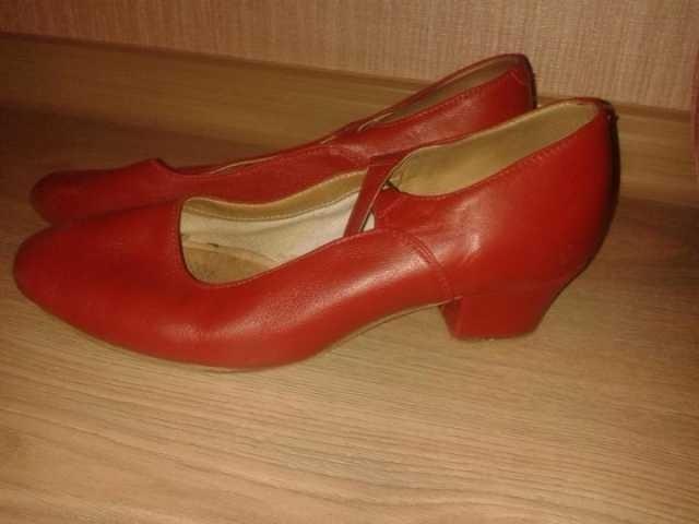 Продам Туфли для народных танцев