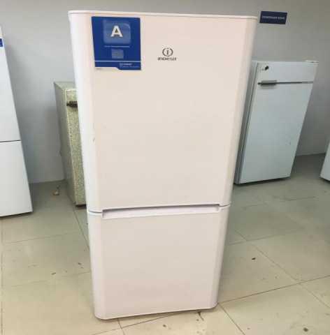 Продам старый холодильник