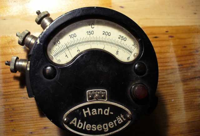 Продам раритет немецкий измерительный прибор