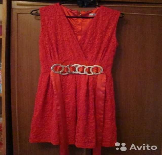Продам красное платье XL