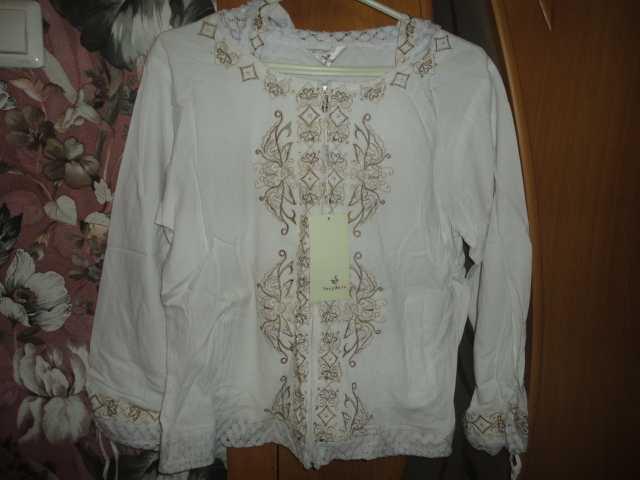 Продам Блузка женская новая размер 44-48