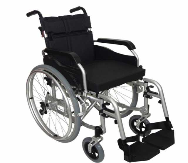 Продам  новую инвалидную кресло-коляску KY874L