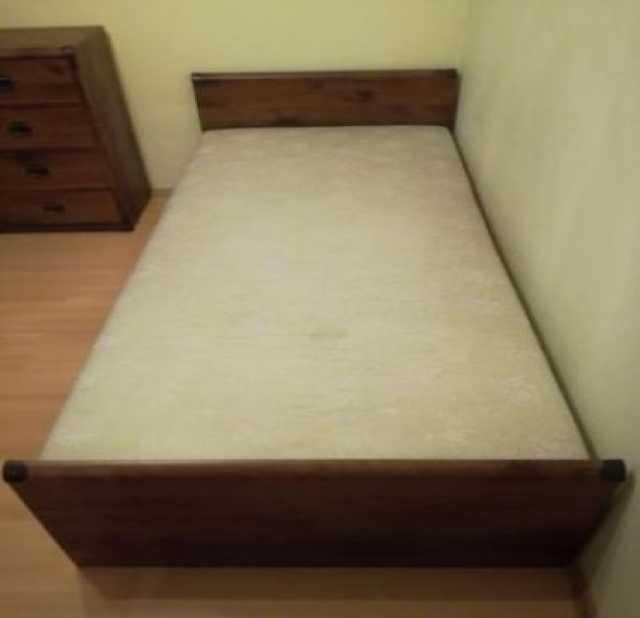 Продам Одноместная кровать с матрасом